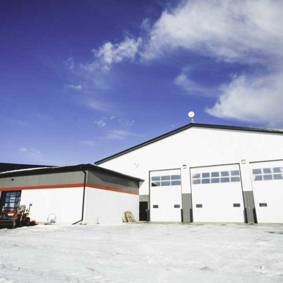 80'x140′ Shop & 2940 SQ FT Office Space